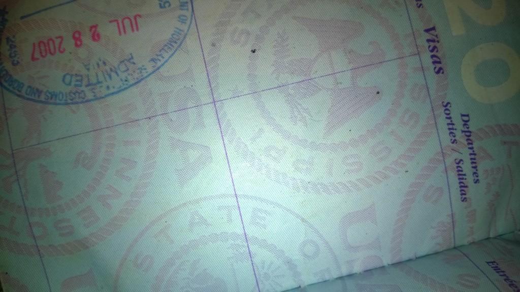 Lucas_Daniel_Smith_passport_stamp_2007_Obama_Kenya_africa[1]